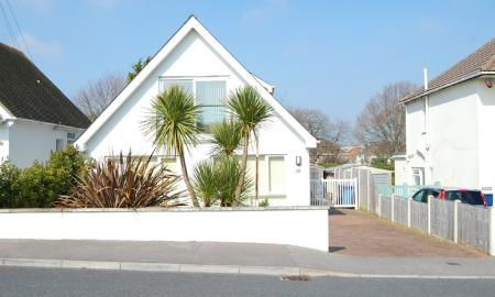 Photo of 4 bedroom Detached Bungalow to rent