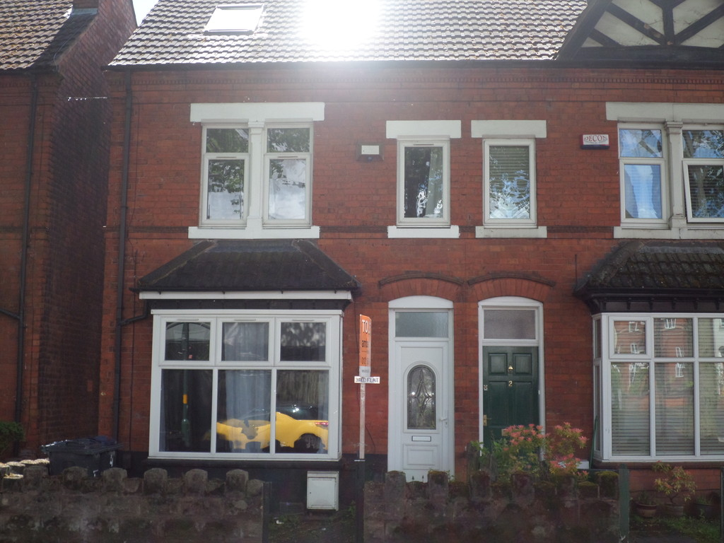 3 Bedrooms Apartment Flat for rent in Abbots Road, Kings Heath B14