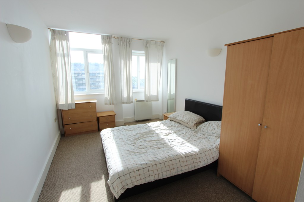 Martin Amp Co Southend On Sea 1 Bedroom Flat Let In Skyline