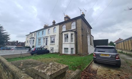 Photo of North Road Top Flat, Westcliff On Sea