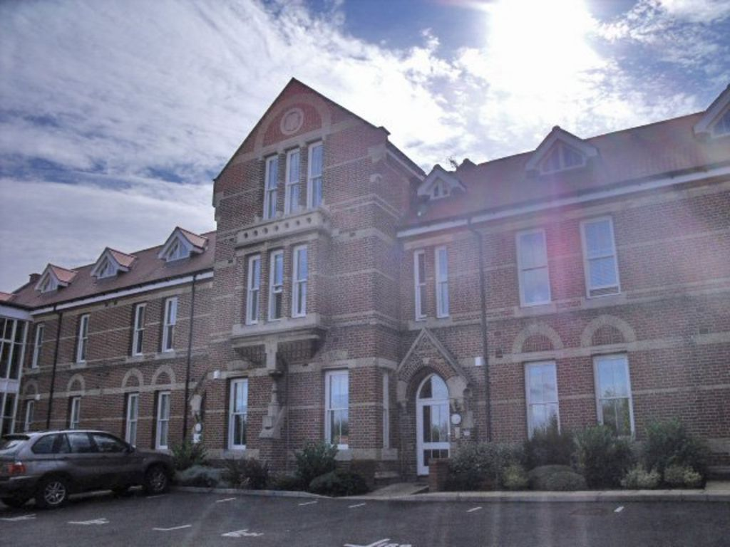 Martin Amp Co Canterbury 2 Bedroom Flat To Rent In George