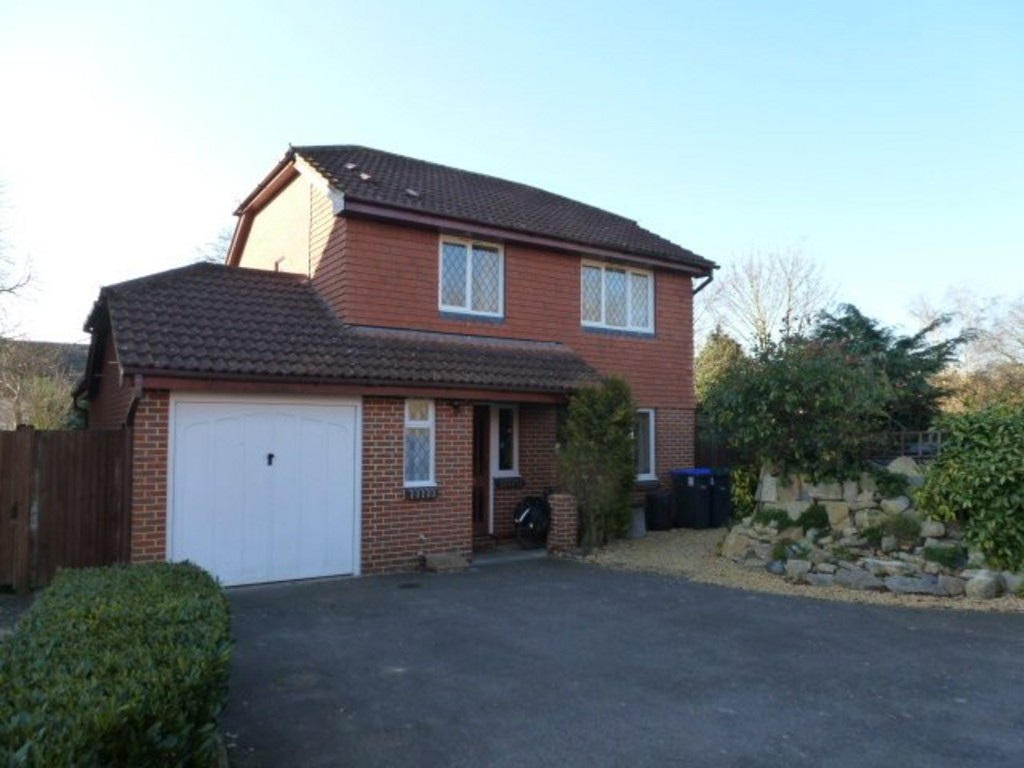 3 Bedrooms Detached House for rent in Bishopdown Farm SP1