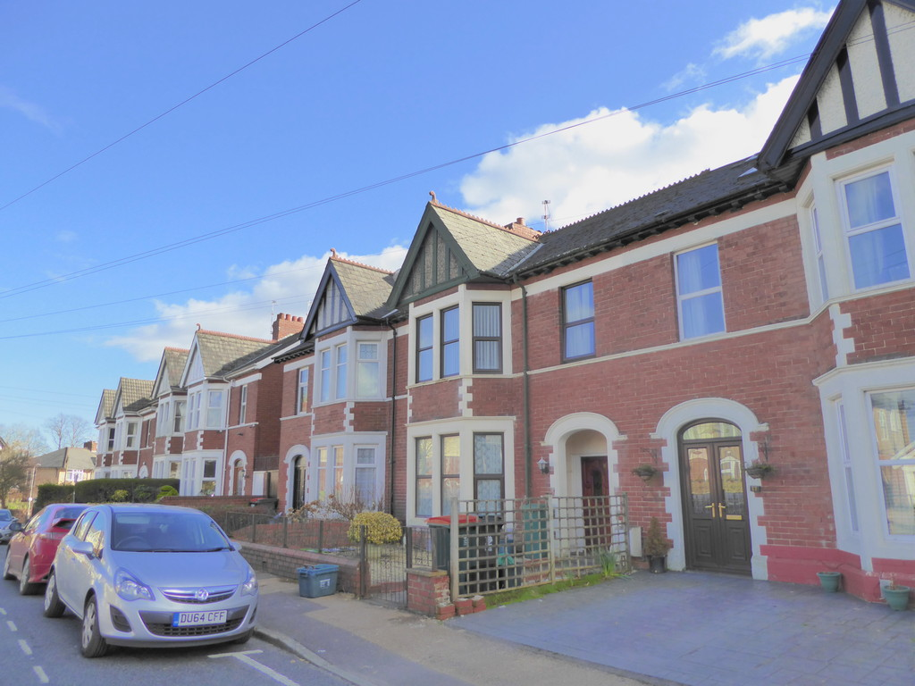 2 Bedrooms Apartment Flat for sale in St Marks Crescent, Newport NP20
