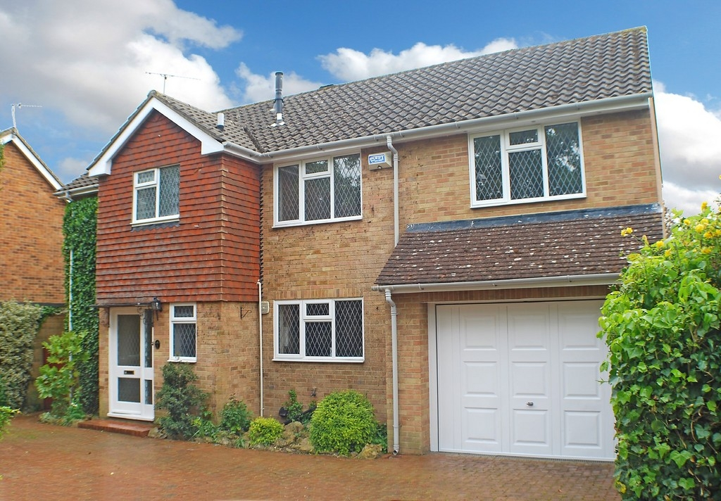 Martin co tonbridge 5 bedroom detached house for sale in for Rowan house