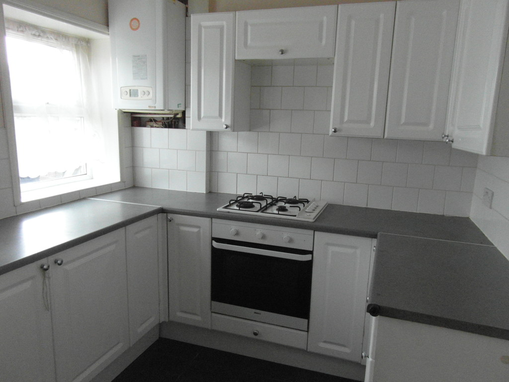 Martin Co Telford 3 Bedroom Terraced House To Rent In