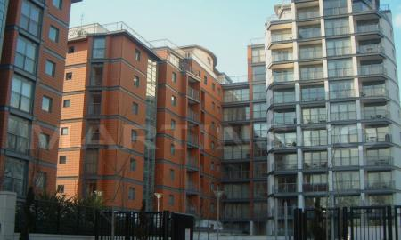 Photo of Holland Gardens Apartment With Roof Terrace, Near KEW BRIDGE