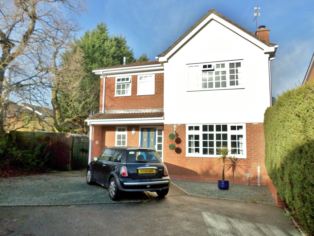 4 Bedrooms Detached House for rent in Merstal Drive, Solihull B92