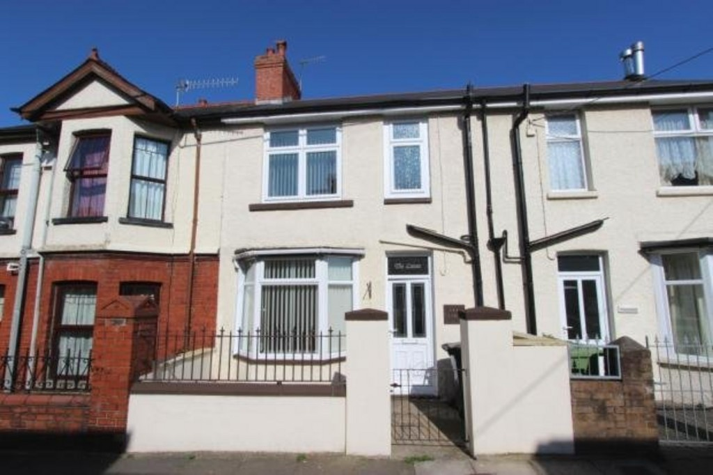3 Bedrooms Terraced House for sale in Wainfelin NP4