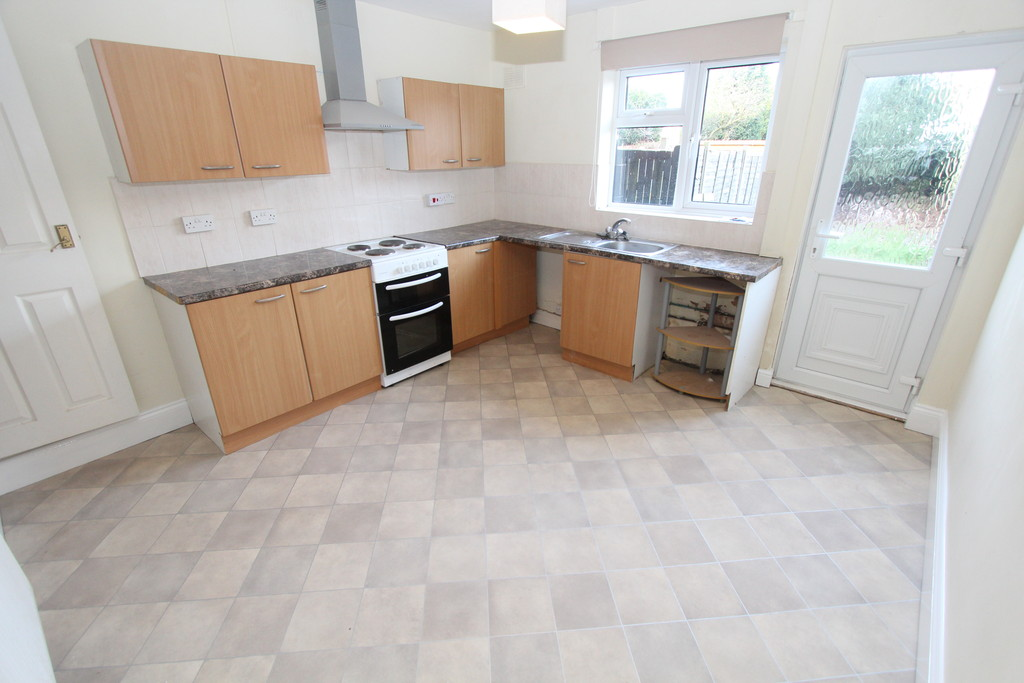 3 Bedrooms Terraced House for rent in Bamford Street, Glascote B77