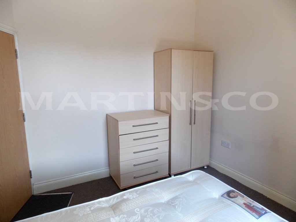 Martin co reading 1 bedroom house share to let in - 1 bedroom house to rent in reading ...
