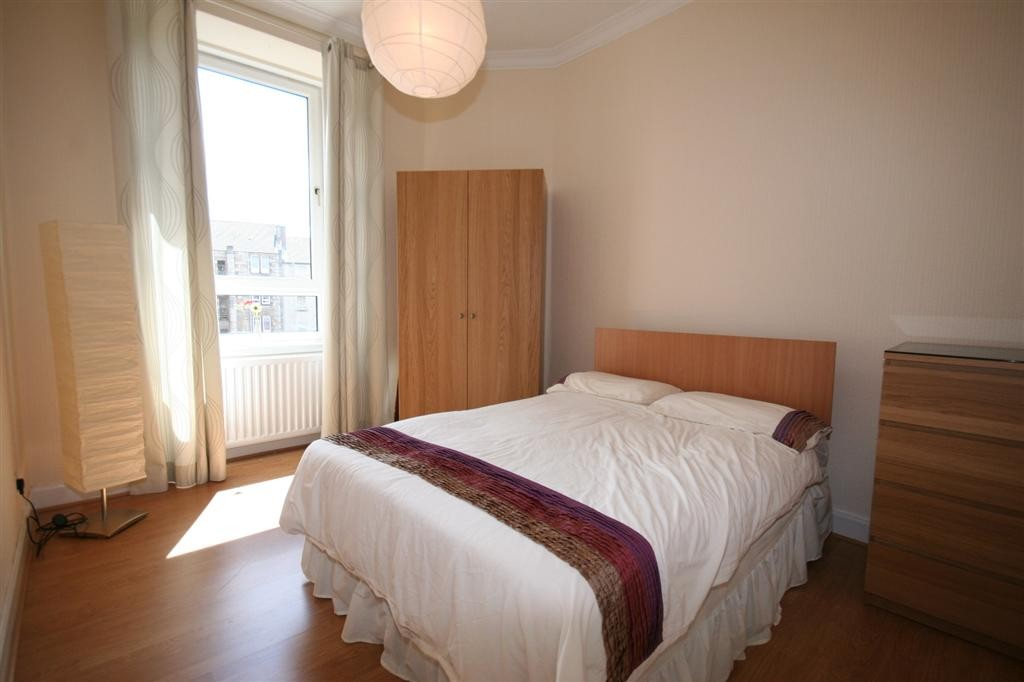 how to furnish a small bedroom martin amp co glasgow shawlands 1 bedroom flat to rent in 20581