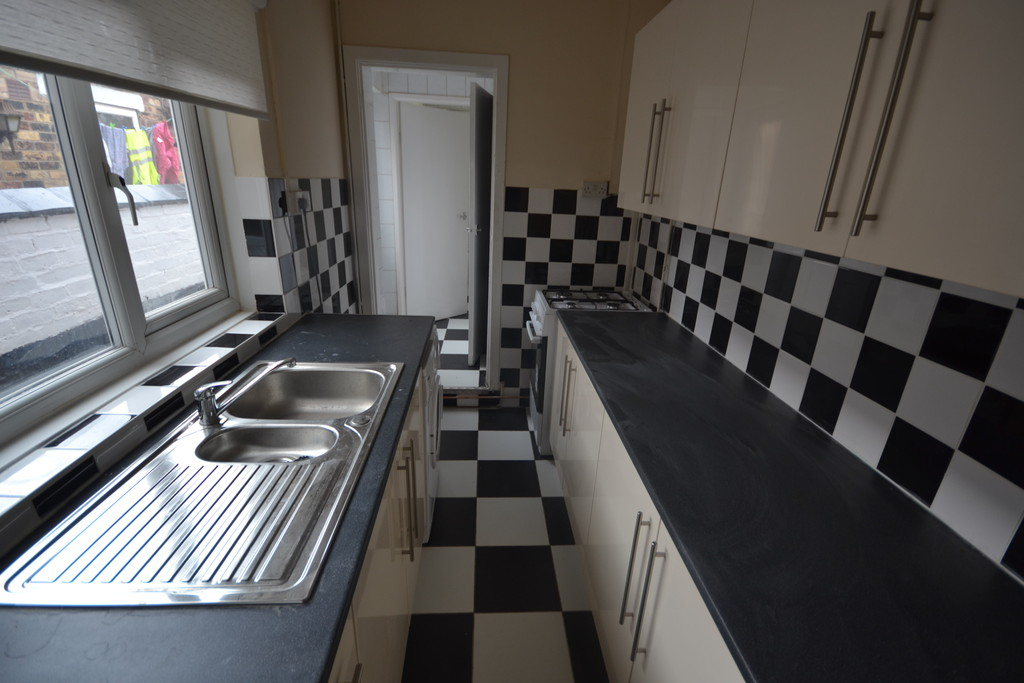 3 Bedrooms Terraced House for sale in May Place, Fenton ST4