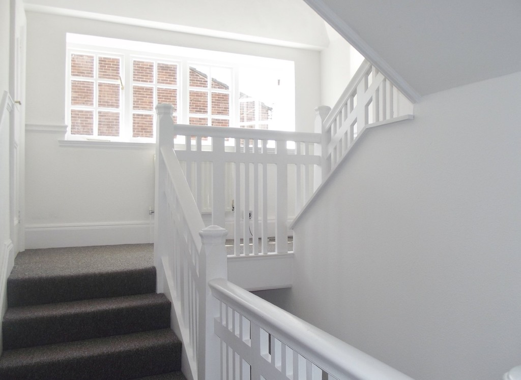 Martin co wirral moreton 2 bedroom apartment to rent in for Room to rent brighton