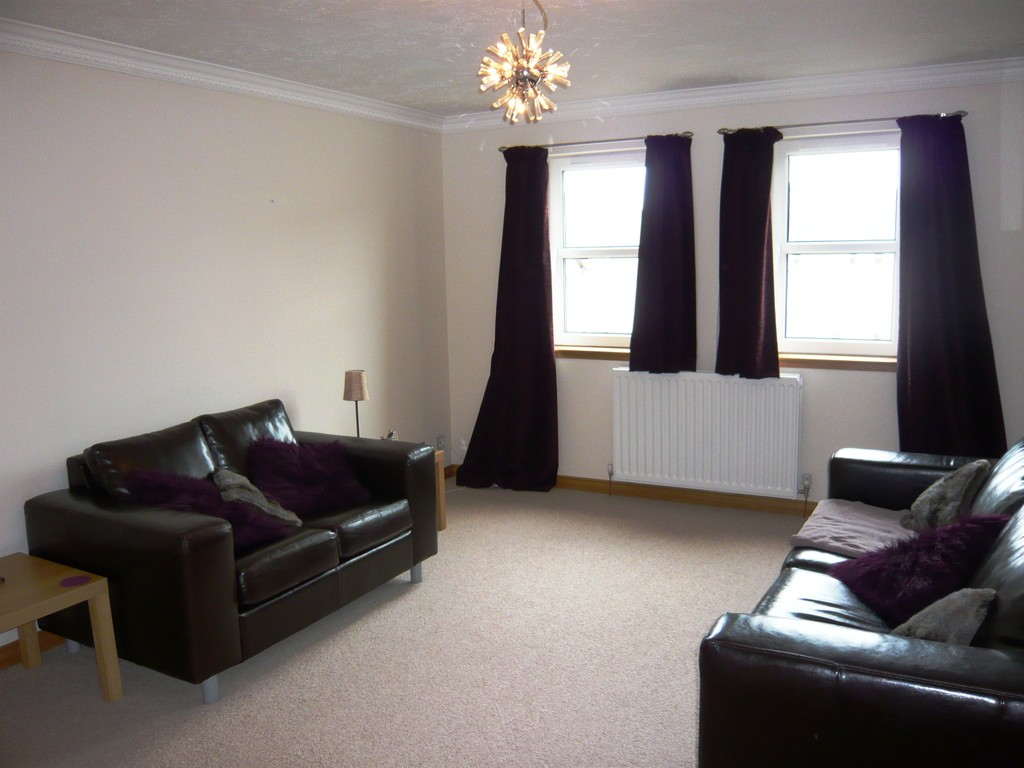 Martin co kirkcaldy 2 bedroom apartment for sale in for Living room kirkcaldy