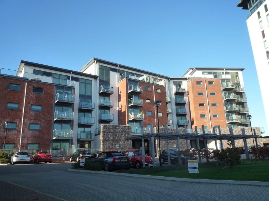 2 Bedrooms Apartment Flat for sale in Rope Quays, Gosport PO12
