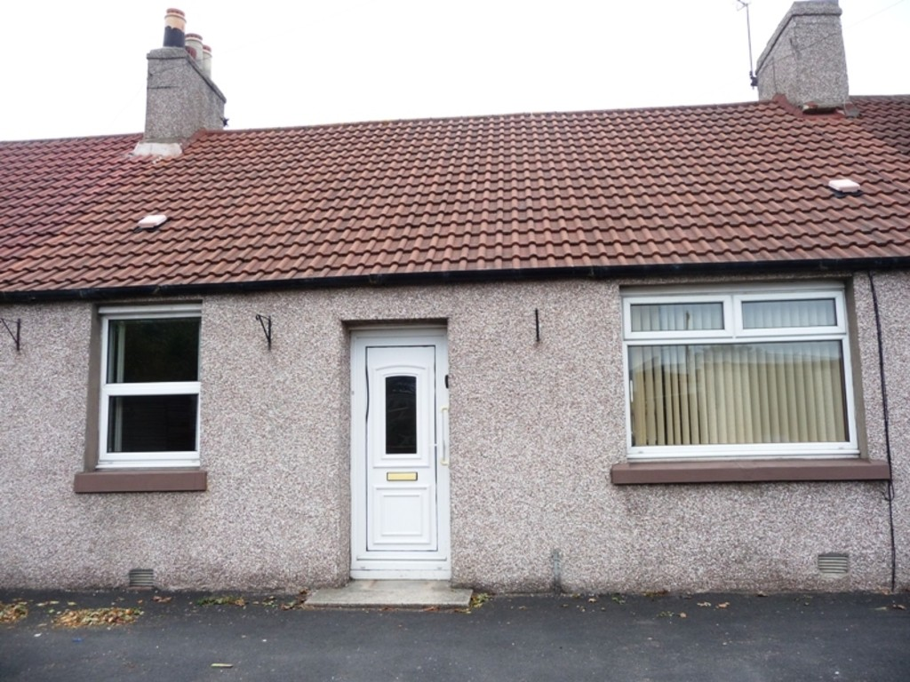 Martin co kirkcaldy 2 bedroom semi detached bungalow for for Living room kirkcaldy