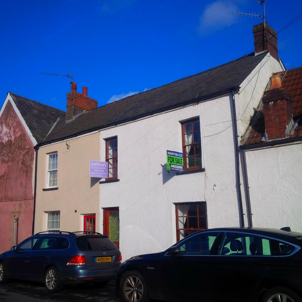 3 Bedrooms Terraced House for sale in Backhall Street, Caerleon NP18