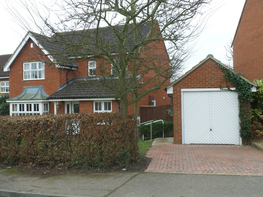 Francis Groves Close, Bedford MK41