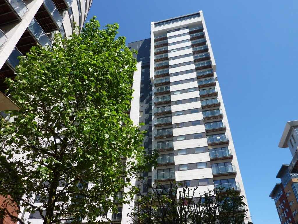 2 Bedrooms Flat for sale in Britton House, Lord Street, Greenquarter M4