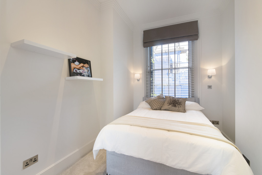 Martin co chelsea 1 bedroom apartment for sale in cheyne for Chelsea apartments for sale