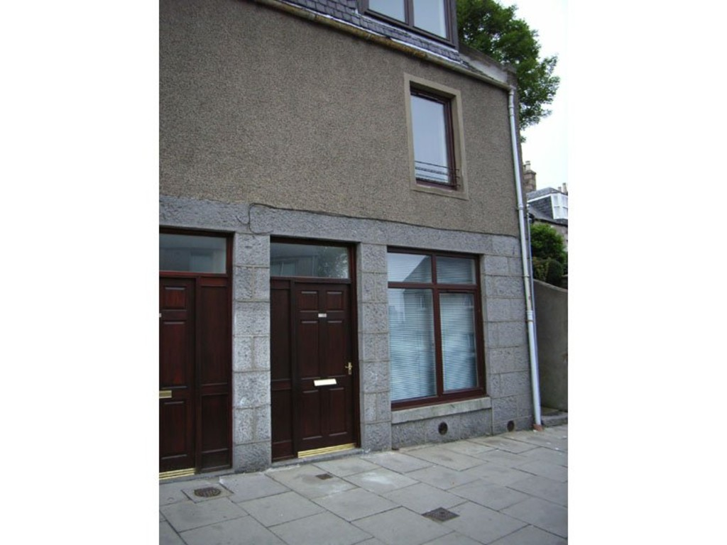 1 Bedroom Studio Flat for rent in The Spital, Aberdeen AB24