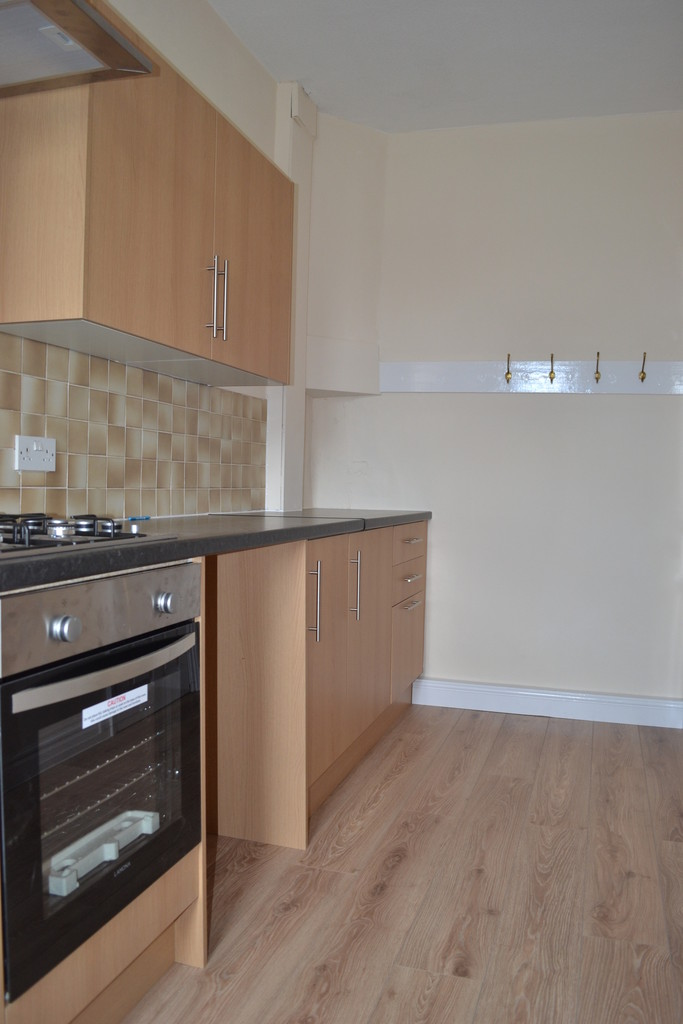 Martin Co Huddersfield 2 Bedroom Terraced House For Sale