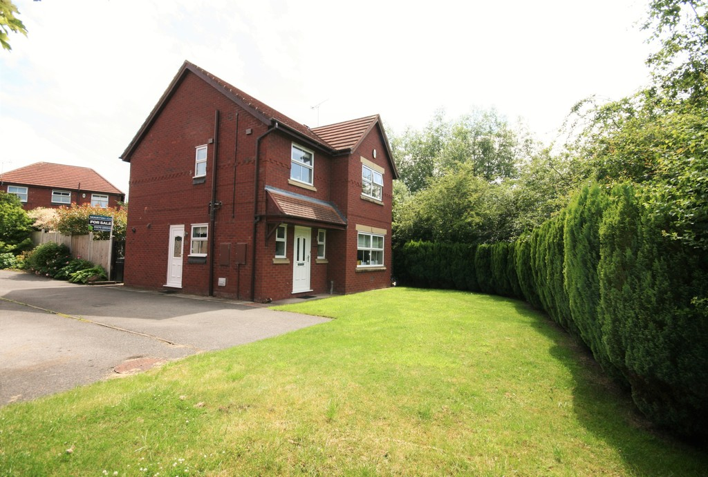 3 Bedrooms Detached House for sale in Riverside Grove Wistaston CW2
