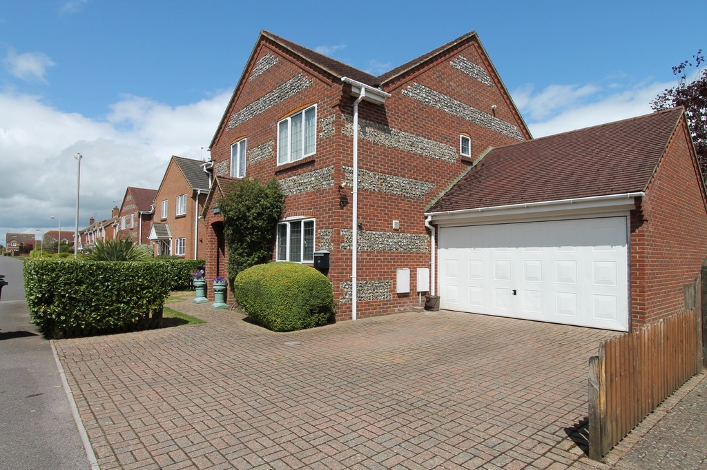 Martin Amp Co Bournemouth 4 Bedroom Detached House For Sale