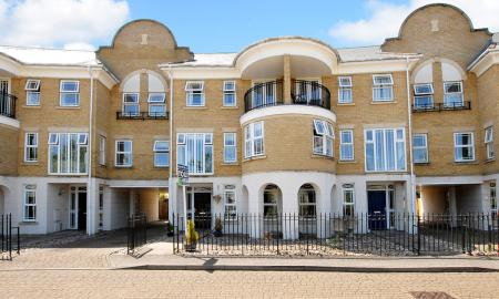 Photo of 5 bedroom Town House for sale