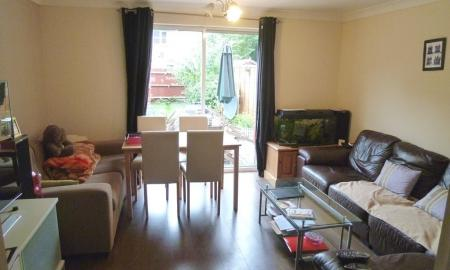 Martin Co Loughton 2 Bedroom Terraced House To Rent In Finch