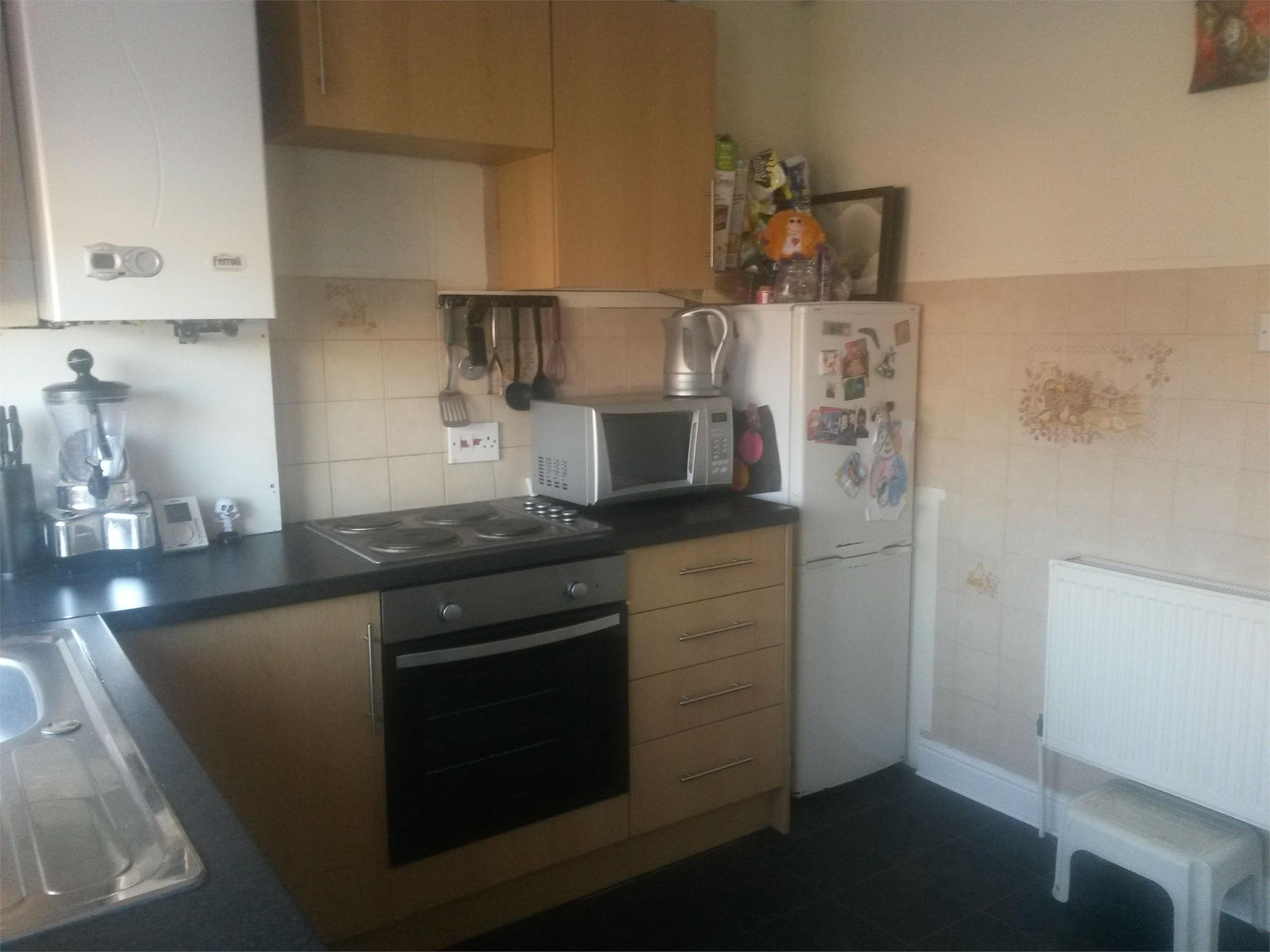 Whitegates bramley 2 bedroom semi detached house for sale for Perfect kitchen bramley
