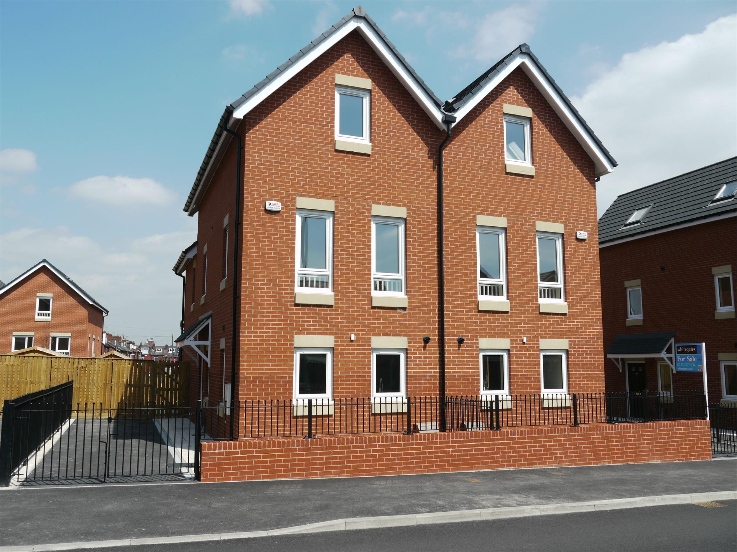 Whitegates South Leeds 3 Bedroom Semi Detached House For
