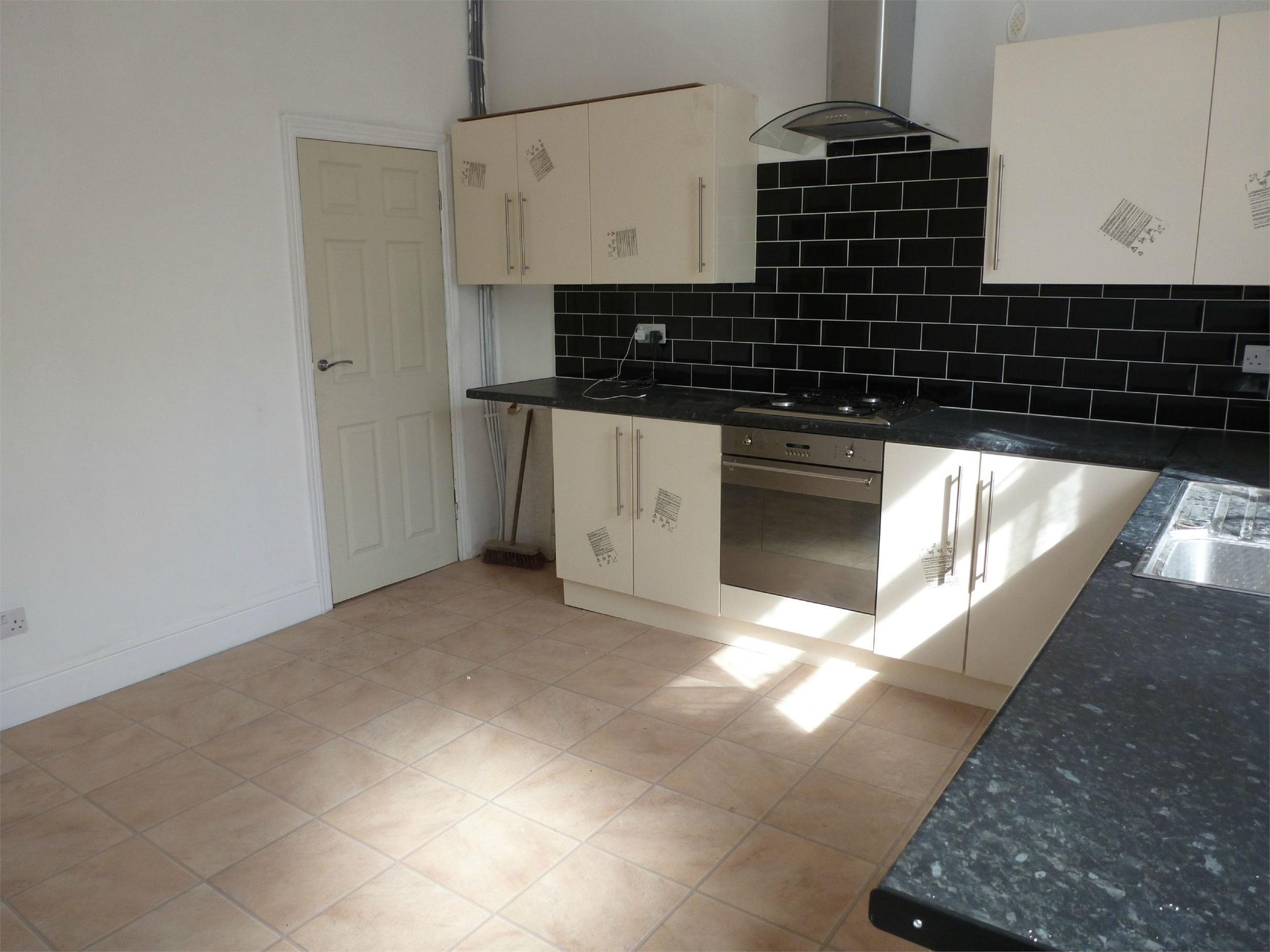 Yorkshire Terrace: Whitegates Bramley 4 Bedroom Terraced House To Rent In