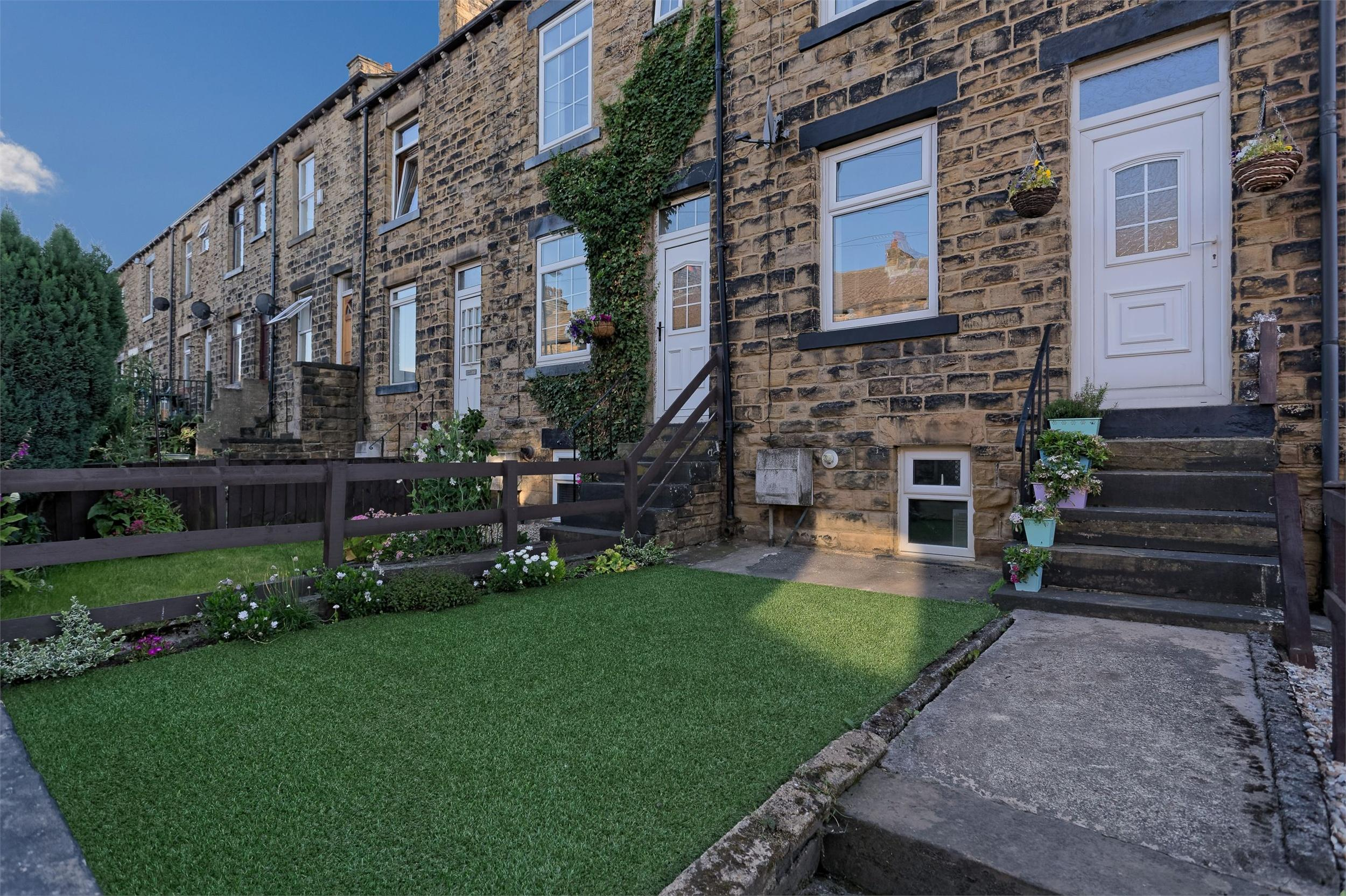 Yorkshire Terrace: Whitegates Bramley 2 Bedroom Terraced House For Sale In