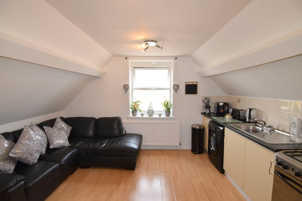 2 Bedrooms Flat for sale in Glendinning Avenue, Weymouth DT4