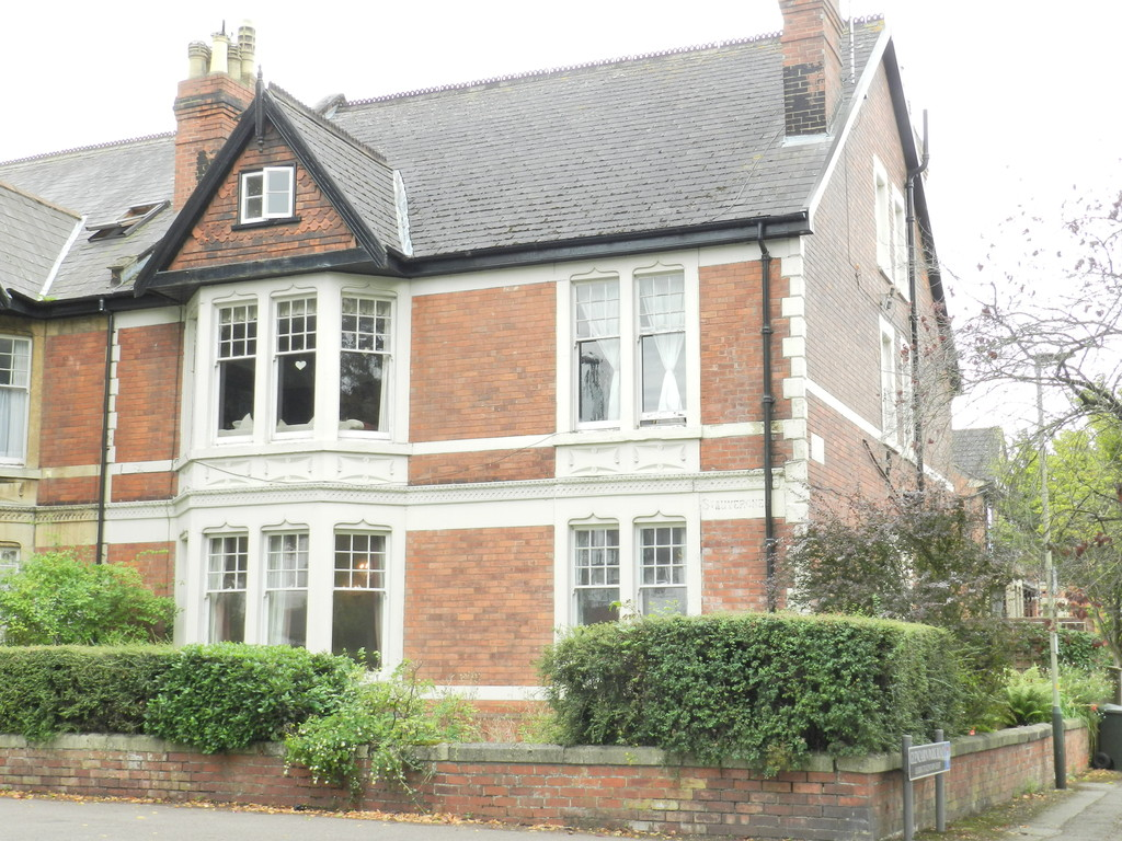 2 Bedrooms Apartment Flat for sale in Queens Road, Cheltenham GL50