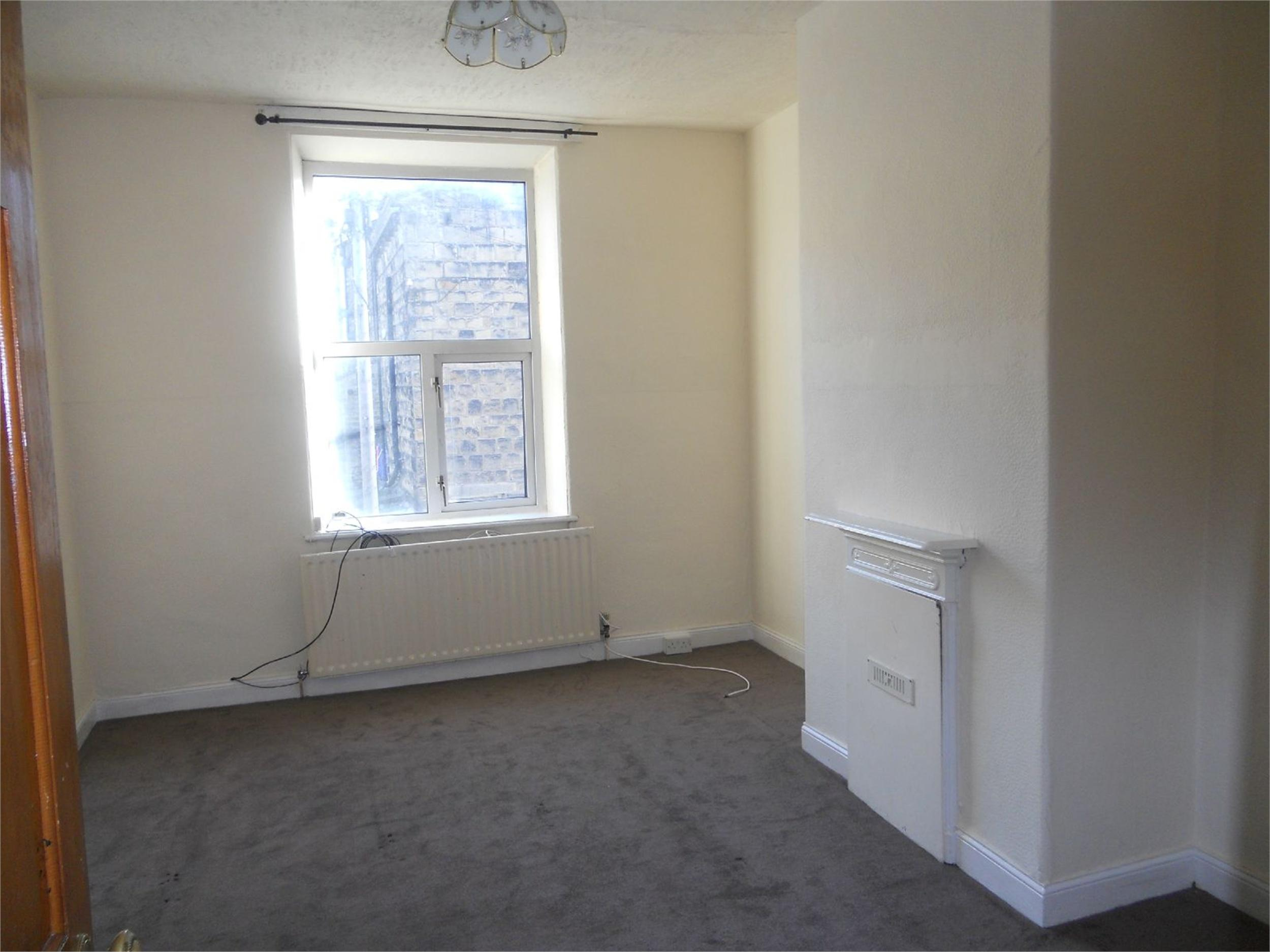 Yorkshire Terrace: Whitegates Keighley 4 Bedroom Terraced House To Rent In 84