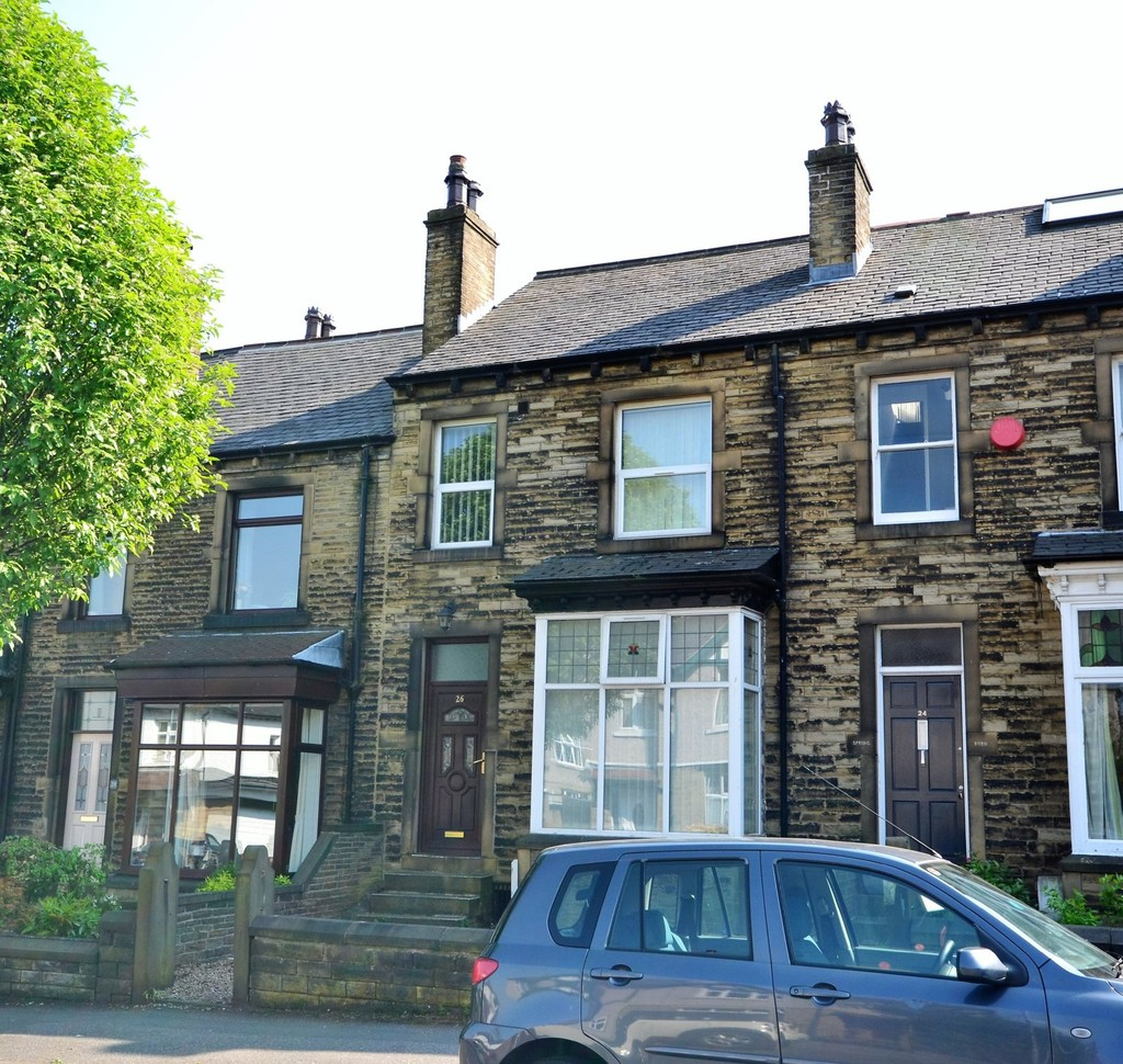 4 Bedrooms Terraced House for sale in Thornhill Avenue, Huddersfield HD3