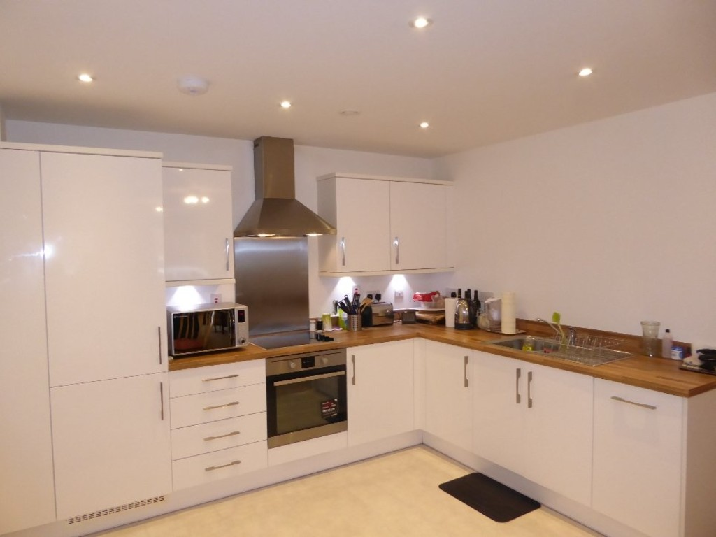 Martin Co St Albans 1 Bedroom Ground Floor Flat For Sale In Ellis House Charrington Place Al1