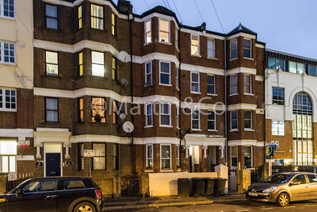 Martin co london bridge 1 bedroom apartment to rent in for Room to rent brighton