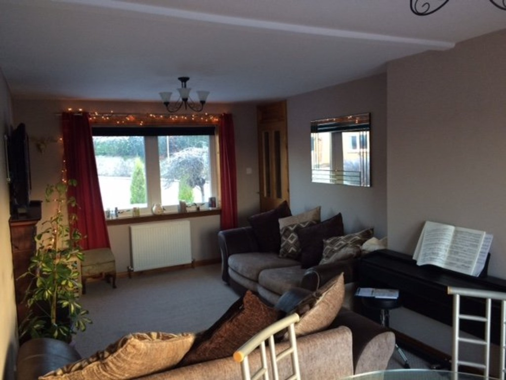 Martin co kirkcaldy 2 bedroom semi detached house to for Living room kirkcaldy