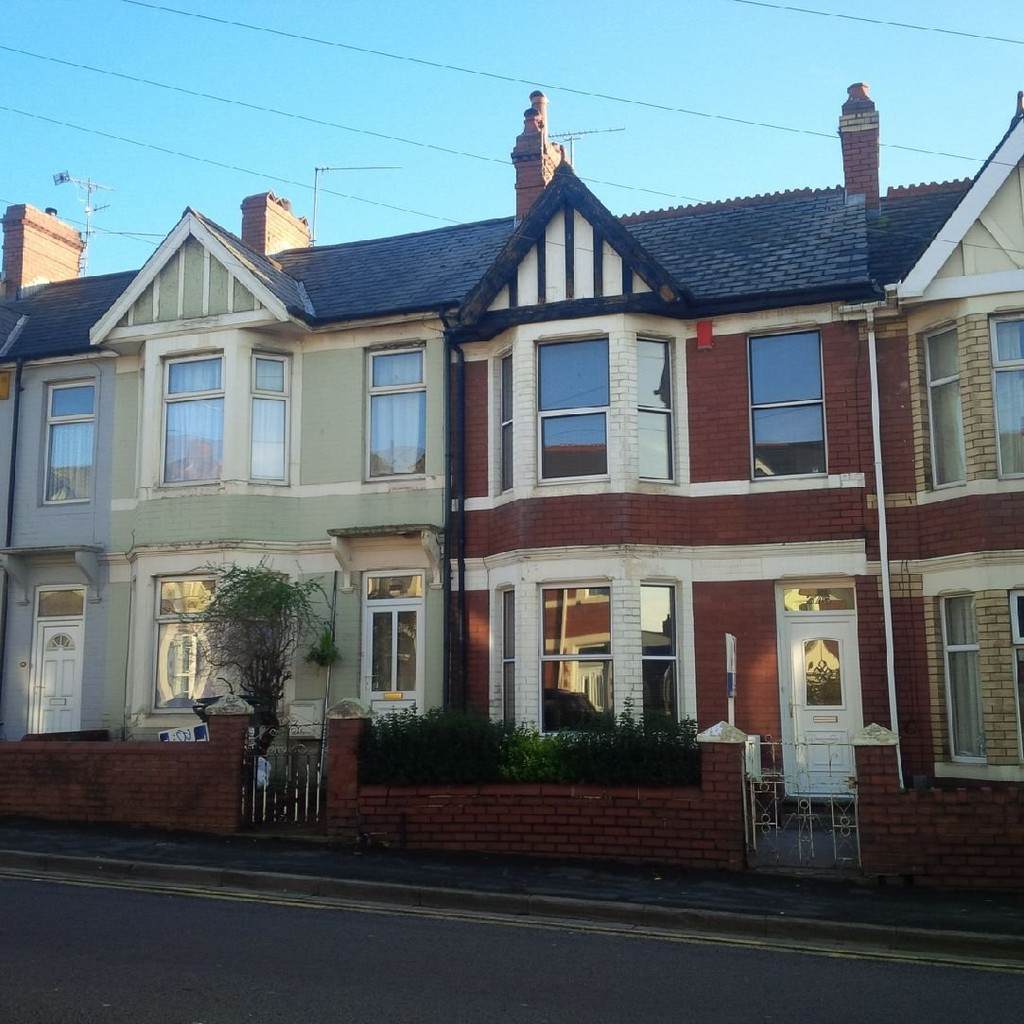 2 Bedrooms Terraced House for sale in Caerleon Road, Newport NP19