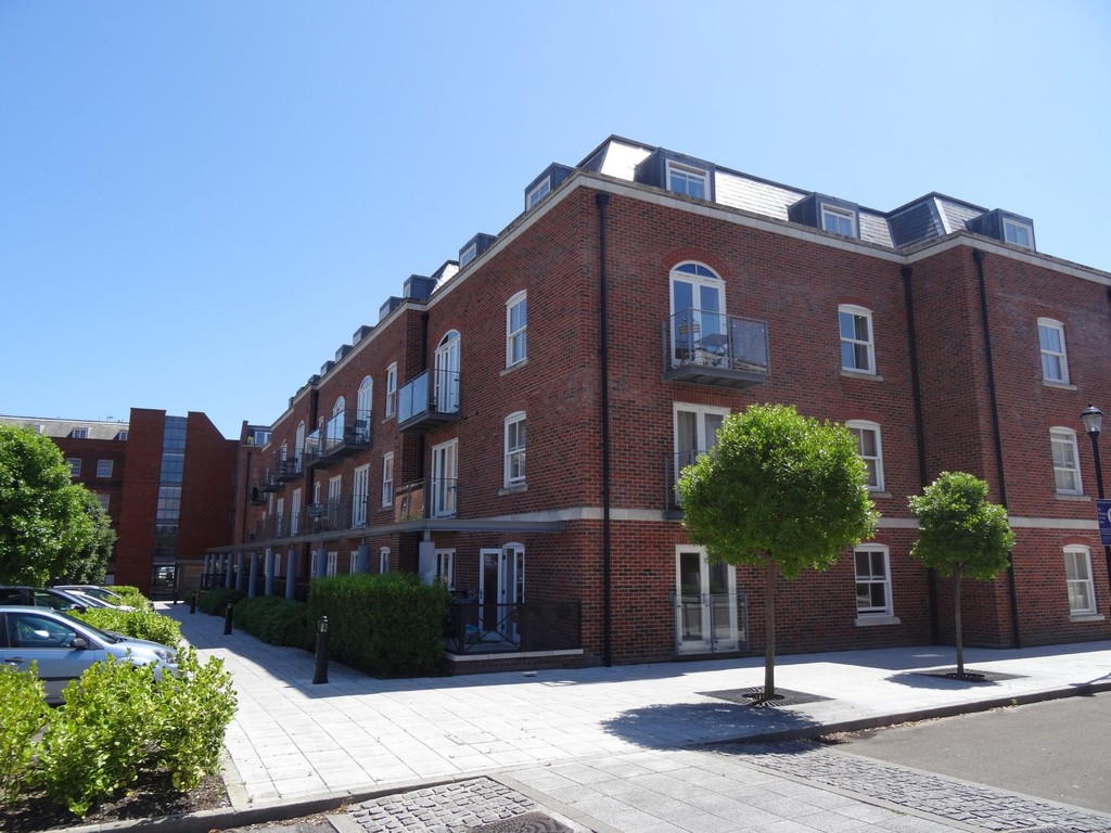 1 Bedroom Apartment Flat for sale in The Salthouse, Royal Clarence Marina, Gosport PO12