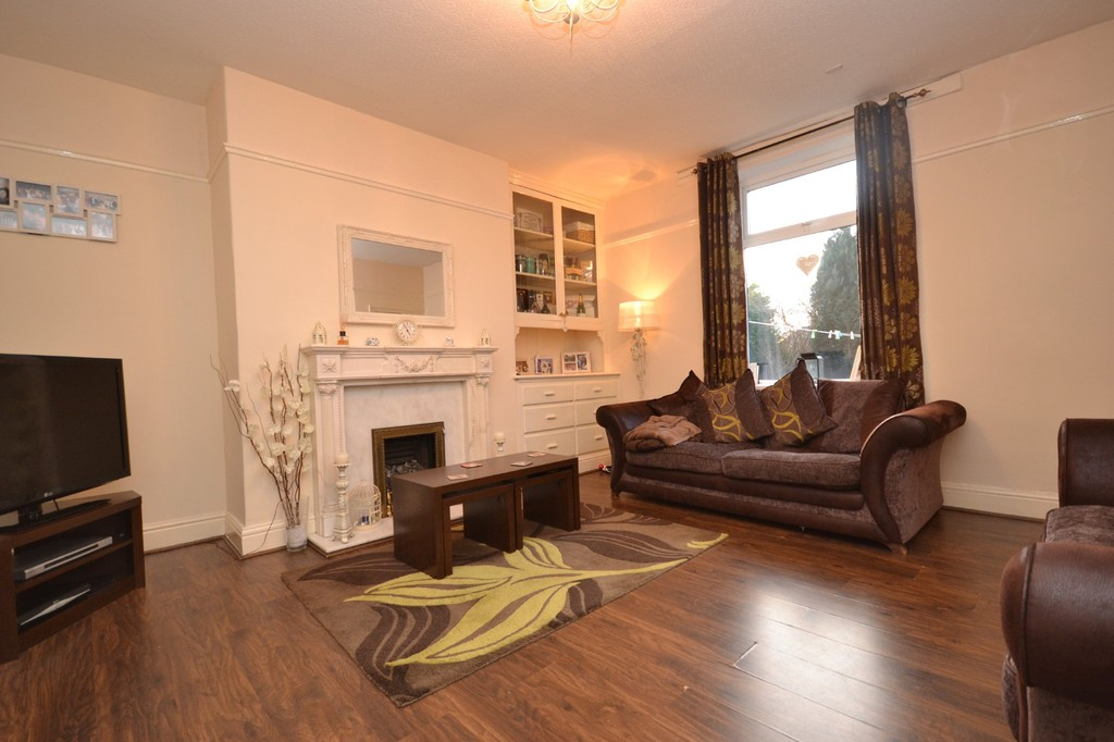 1 Bedroom Property for sale in Bank Street, Mirfield, West Yorkshire WF14