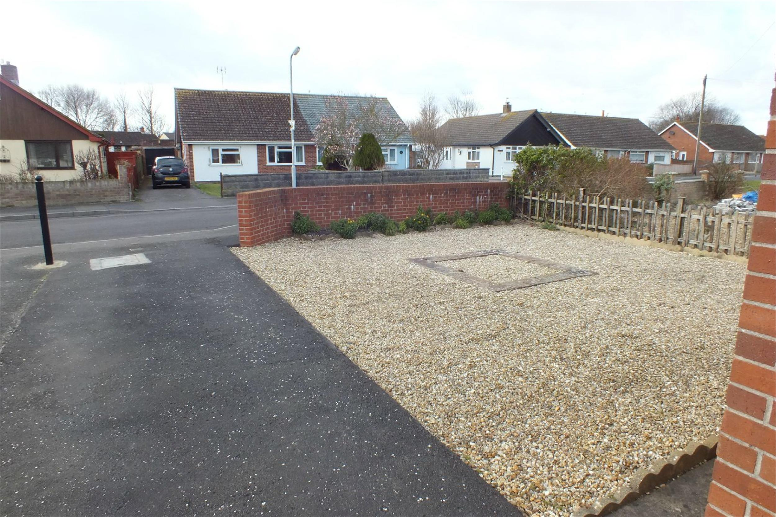 Cj Hole Burnham On Sea 2 Bedroom Semi Detached Bungalow For Sale In Apex Drive Burnham On Sea