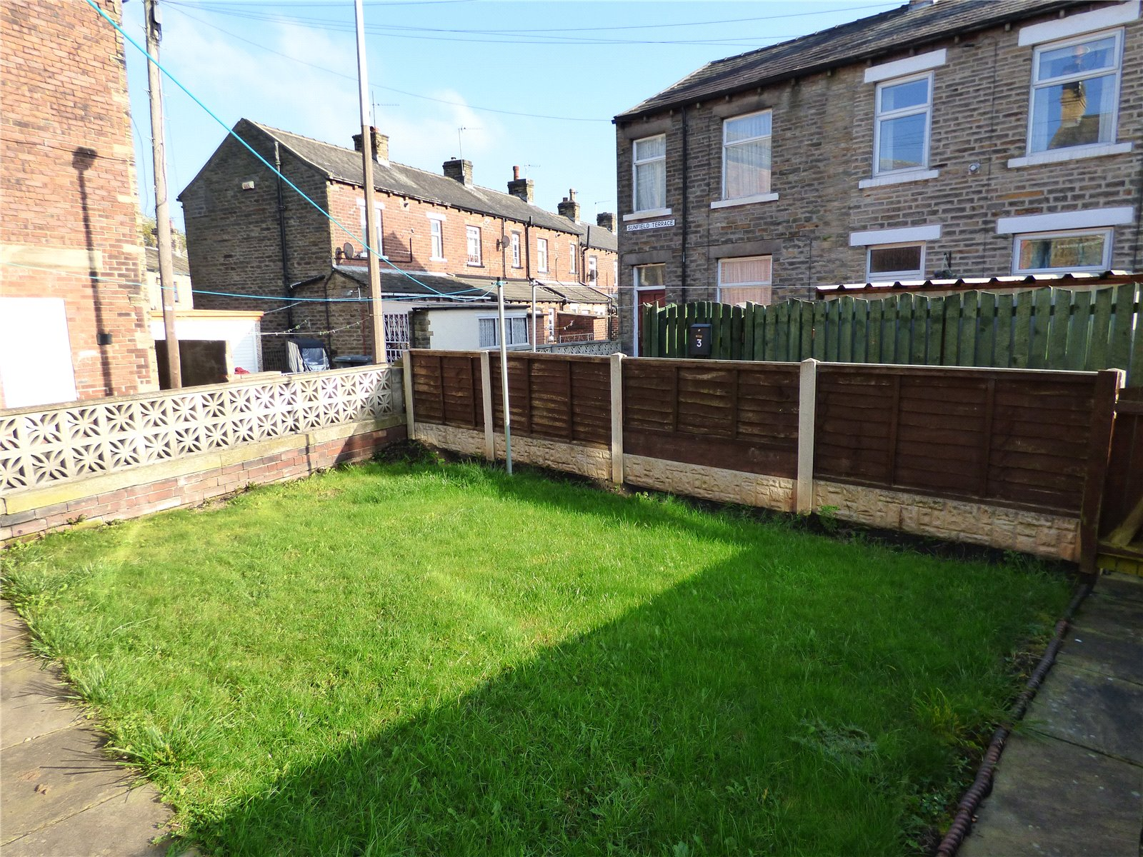Yorkshire Terrace: Whitegates Cleckheaton 3 Bedroom House For Sale In