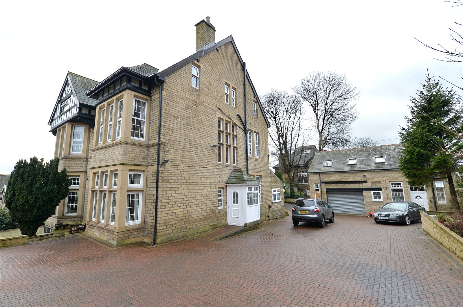 Whitegates Bradford 8 Bedroom House For Sale In Cranbourne
