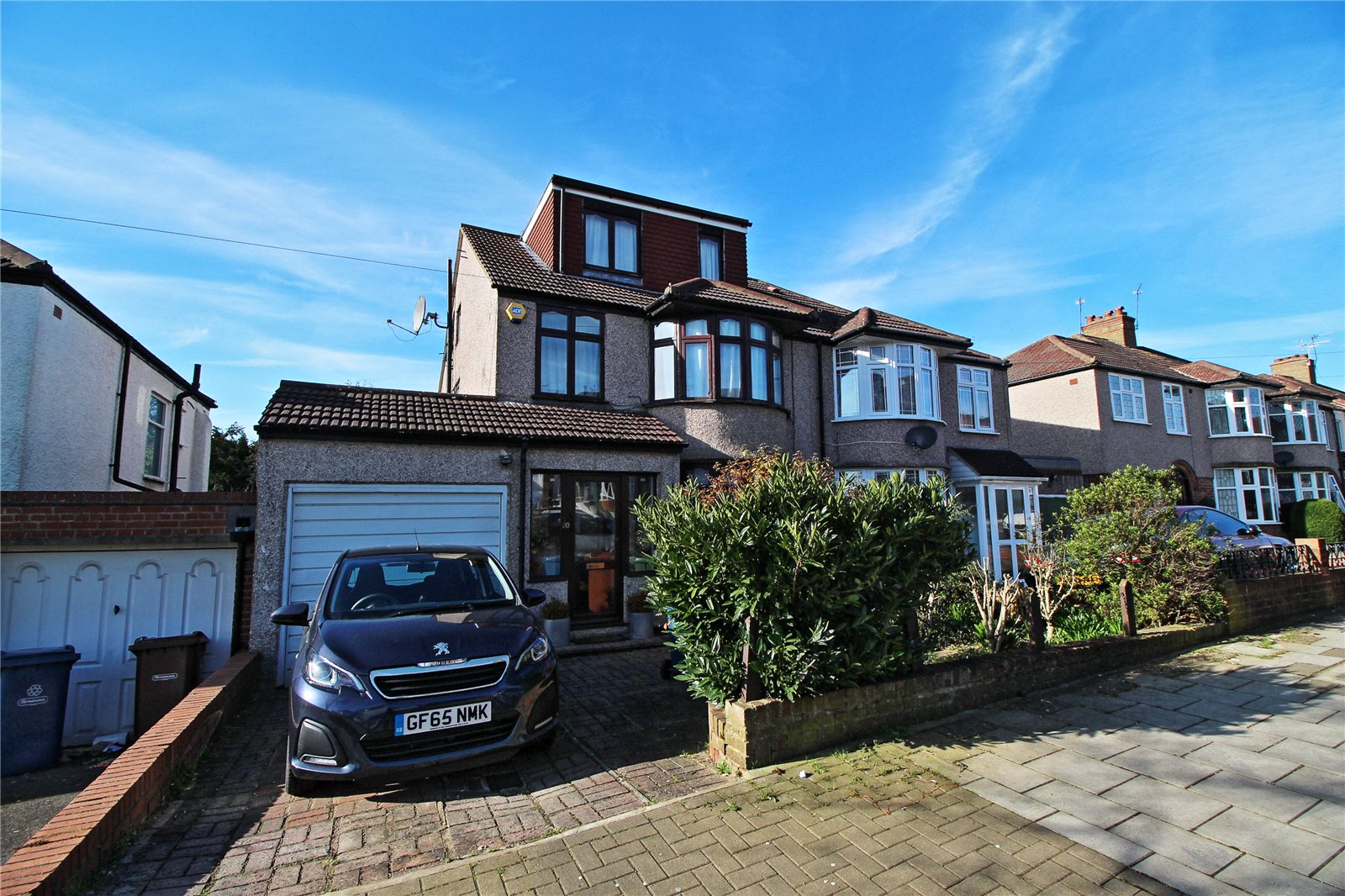 5 Bedrooms Semi Detached House for sale in Drummond Drive Stanmore Middlesex HA7