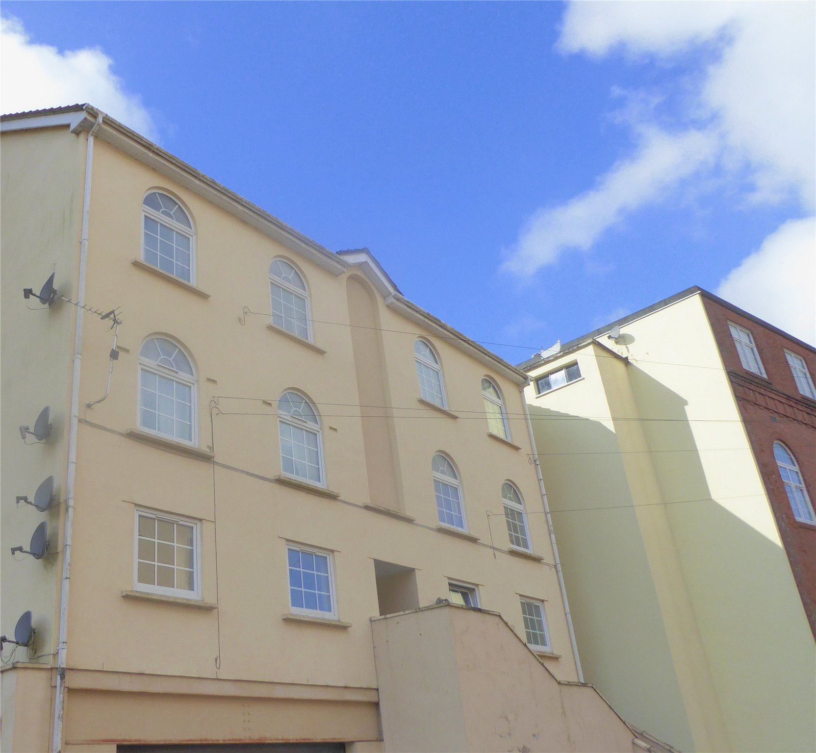 1 Bedroom Flat for sale in Forge Place Pontypool NP4
