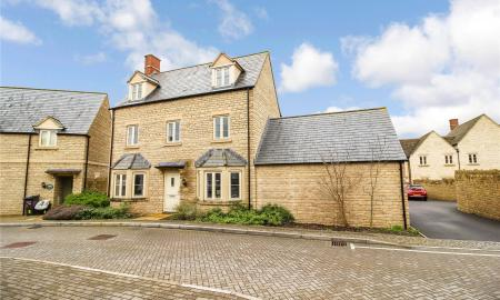 Beecham Close Cirencester Gloucestershire GL7 Image 18